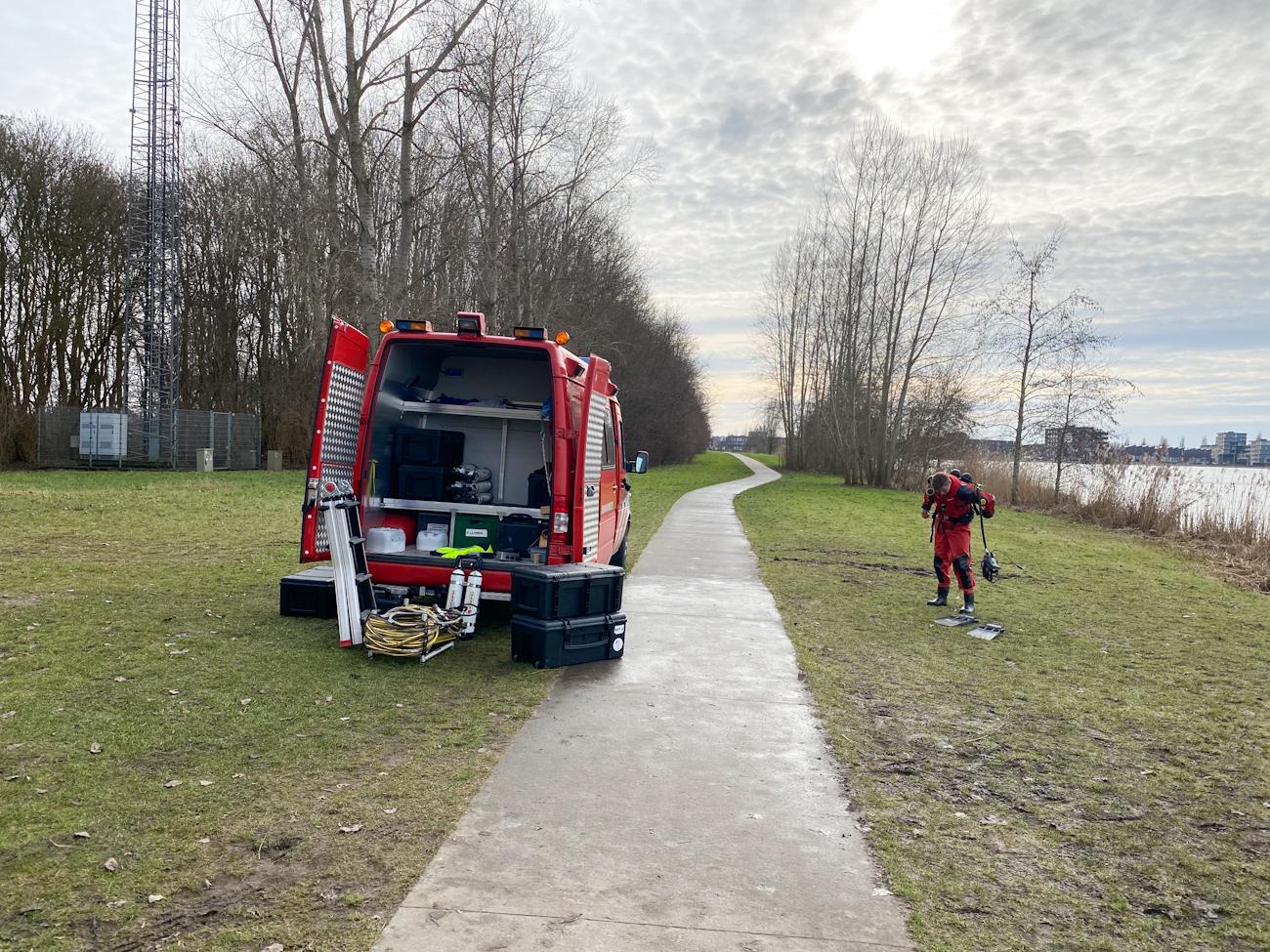 Duikers brandweer oefenen